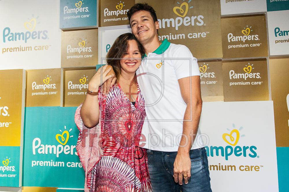 Mariana Belém e Rodrigo Faro. Durante Evento Pampers. Espaço Iate Clube - Higienópolis. Foto: Fábio Guinalz/FramePhoto