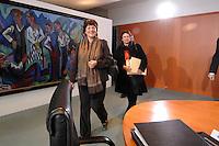28 FEB 2007, BERLIN/GERMANY:<br /> Ulla Schmidt (L), SPD, Bundesgesundheitsministerin, und Brigitte Zypries (R), SPD, Bundesjustizministerin, auf dem Weg zu ihren Plaetzen, vor Beginn einer Kabinettsitzung, Bundeskanzleramt<br /> IMAGE: 20070228-01-004<br /> KEYWORDS: Kabinett, Sitzung