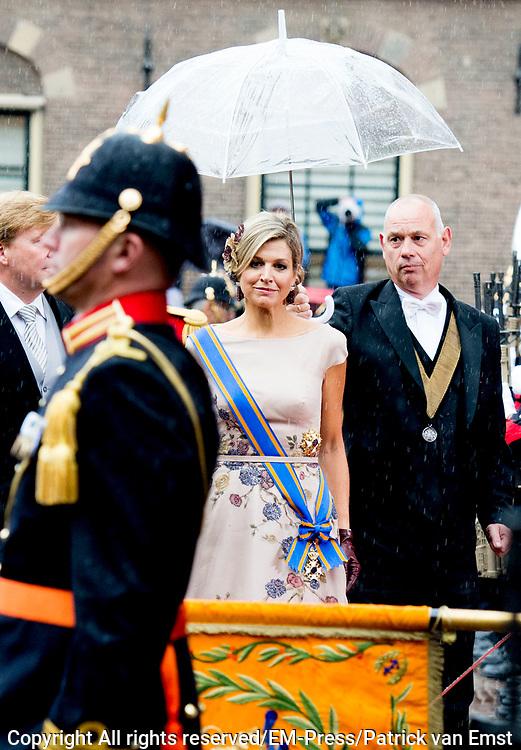 Prinsjesdag - Koninklijke familie arriveert bij Ridderzaal<br /> <br /> Budget Day - Royal Family arrives at Knights<br /> <br /> Op de foto / On the photo:  Koning Willem Alexander en Koningin Maxima / King Willem Alexander and Queen Maxima