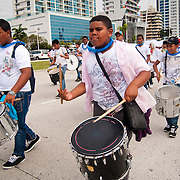 """CELEBRATE LIFE WALK - PANAMA CITY 2011<br /> <br /> Some 30,000 people attended last Sunday October 23, 2011 in the walk 'celebrate life' in the """"Cinta Costera"""", organized by health authorities to promote early detection of breast and prostate. Both are diseases that cause most deaths among women and men in Panama.<br /> <br /> Photography by Aaron Sosa<br /> <br /> Panama City, Panama 23-10-2011"""