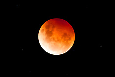 Northland-Blood moon in earths shadow