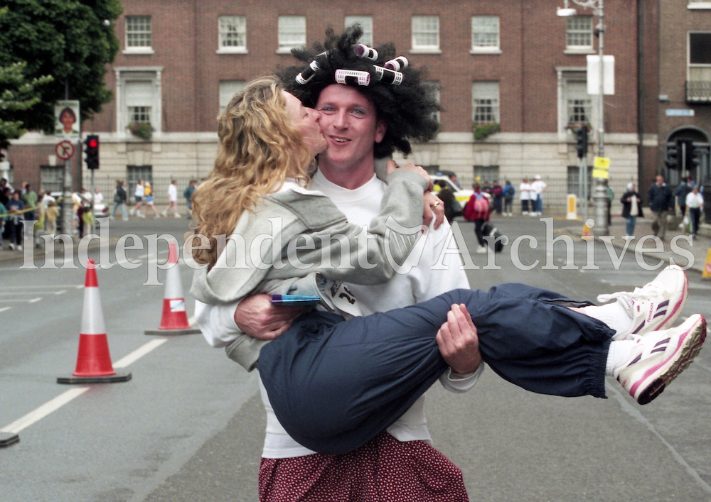 On the Run: Peter Whelehan from Howth and Sinead Curley from Co Mayo took part in the mini-marathon to raise money for a heart unit in the west of Ireland. (Part of the Independent Newspapers Ireland/NLI Collection)