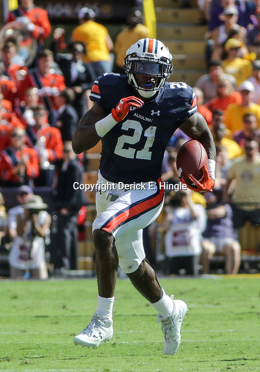 Oct 14, 2017; Baton Rouge, LA, USA; Auburn Tigers running back Kerryon Johnson (21) against the LSU Tigers during the first half of a game at Tiger Stadium. Mandatory Credit: Derick E. Hingle-USA TODAY Sports