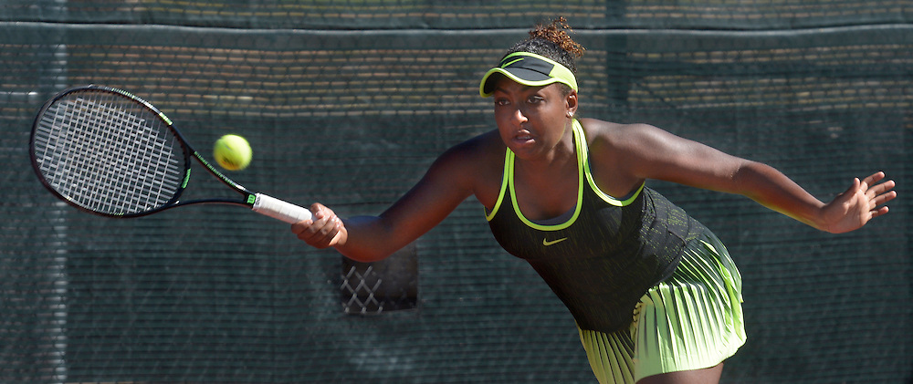 gbs091816a/SPORTS -- Ivana Corley, a home schooled junior who plays for Eldorado, plays against Emina Bektas in a first round match at the Coleman Vision Tennis Championships at Tanoan Country Club on Sunday, September 18, 2016. (Greg Sorber/Albuquerque Journal)