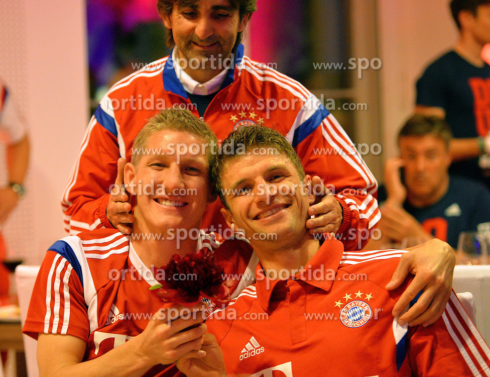 17.05.2014, T Com, Berlin, GER, DFB Pokal, Bayern Muenchen Pokalfeier, im Bild Bastian Schweinstieger and Thomas Mueller Bastian Schweinstieger, Thomas Mueller, // during the FC Bayern Munich &quot;DFB Pokal&quot; Championsparty at the T Com in Berlin, Germany on 2014/05/17. EXPA Pictures &copy; 2014, PhotoCredit: EXPA/ Eibner-Pressefoto/ EIBNER<br /> <br /> *****ATTENTION - OUT of GER*****