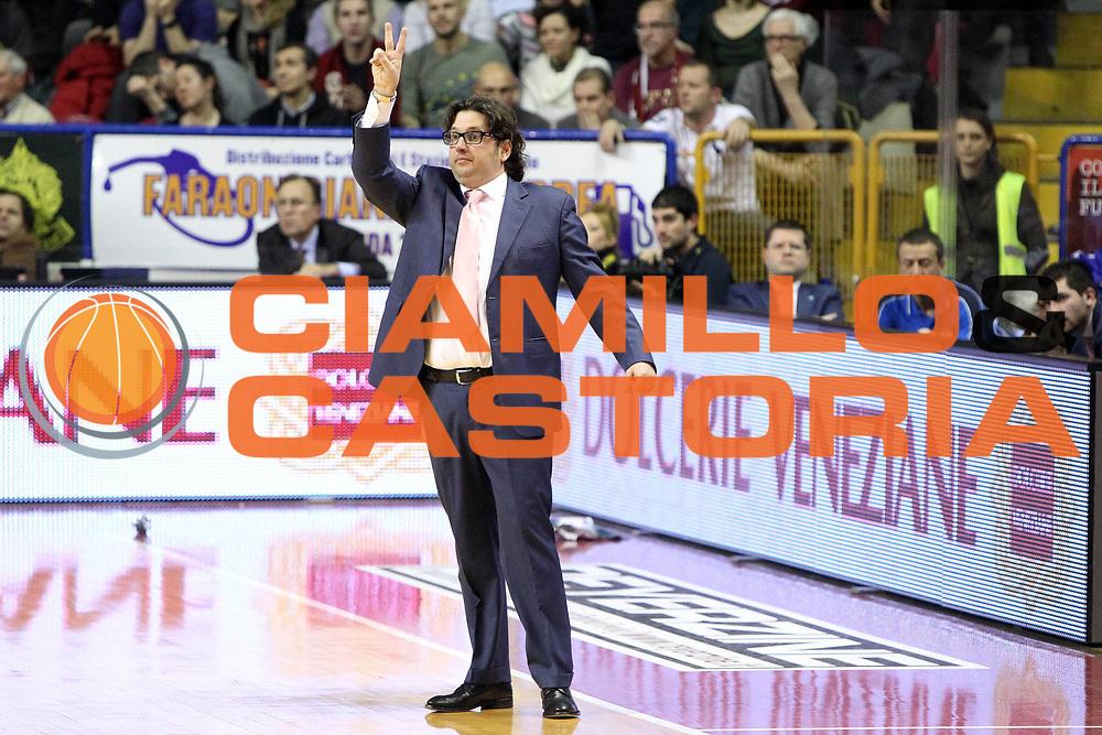 DESCRIZIONE : Venezia Lega A 2012-13 Umana Reyer Venezia Chebolletta Cantu<br /> GIOCATORE : andrea trinchieri coach<br /> CATEGORIA :  ritratto<br /> SQUADRA : Umana Reyer Venezia Chebolletta Cantu<br /> EVENTO : Campionato Lega A 2012-2013<br /> GARA : Umana Reyer Venezia Chebolletta Cantu<br /> DATA : 20/01/2013<br /> SPORT : Pallacanestro<br /> AUTORE : Agenzia Ciamillo-Castoria/G.Contessa<br /> Galleria : Lega Basket A 2012-2013<br /> Fotonotizia :  Venezia Lega A 2012-13 Umana Reyer Venezia Chebolletta Cantu<br /> Predefinita :