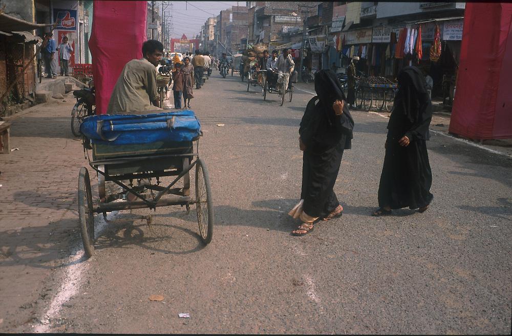 photo: Nadav Neuhaus.the roots of the Taliban.India, October 2001..Taliban woman