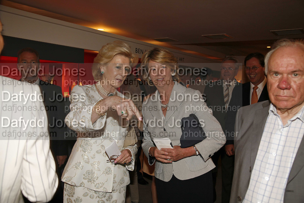 Princess Alexandra, Lady Nicholas Gordon-Lennox, The opening  day of the Grosvenor House Art and Antiques Fair.  Grosvenor House. Park Lane. London. 14 June 2006. ONE TIME USE ONLY - DO NOT ARCHIVE  © Copyright Photograph by Dafydd Jones 66 Stockwell Park Rd. London SW9 0DA Tel 020 7733 0108 www.dafjones.com