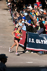 Desiree Davila, entering home stretch, 2nd in women's marathon