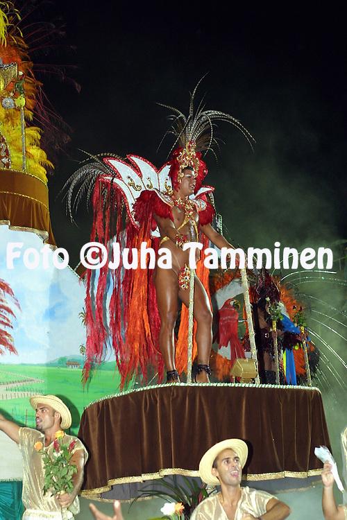 09.02.2002, Rio de Janeiro, Brazil..Carnaval 2002 - Desfile das Escolas de Samba, Grupo de Acesso A / Carnival 2002 - Parades of the Samba Schools..Desfile de / Parade of:  GRES Boi da Ilha do Governador.©Juha Tamminen
