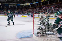 KELOWNA, CANADA - FEBRUARY 2:  Carter Hart #70 of the Everett Silvertips keeps his eye on the puck behind the net against the Kelowna Rockets on FEBRUARY 2, 2018 at Prospera Place in Kelowna, British Columbia, Canada.  (Photo by Marissa Baecker/Shoot the Breeze)  *** Local Caption ***