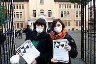 Roma 23 marzo 2011.I collettivi studenteschi autorganizzati hanno volantinato al Liceo Mamiani con la mascherina , contro il nucleare e in difesa dell'acqua pubblica