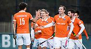 BLOEMENDAAL - Hockey - Bloemendaal-Oranje Rood 3-2. Jasper Brinkman heeft voor Bloemendaal de stand op 2-0 gebracht. met Roel Bovendeert (Bldaal) . Xavi Lleonart Blanco (Bldaal) rechts Sander 't Hart (Bldaal) , Floris Wortelboer (Bldaal)  COPYRIGHT  KOEN SUYK