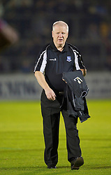 BRISTOL, ENGLAND - Tuesday, September 28, 2010: Tranmere Rovers' manager Les Parry during the Football League One match against Bristol Rovers at the Memorial Ground. (Photo by David Rawcliffe/Propaganda)