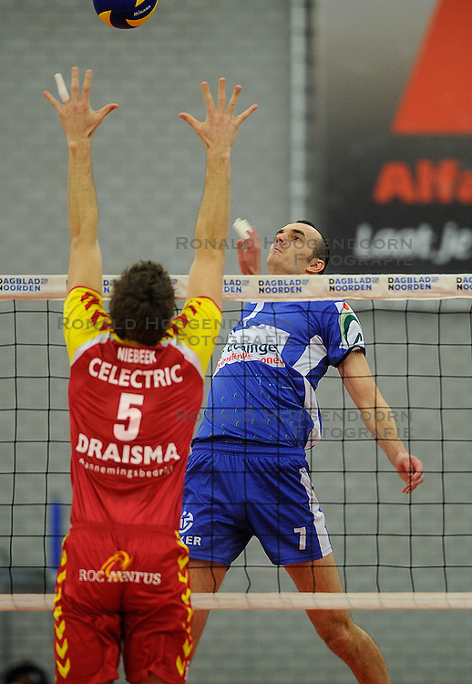 12-02-2011 VOLLEYBAL: AB GRONINGEN/LYCURGUS - DRAISMA DYNAMO: GRONINGEN<br /> In een bomvol Alfa-college Sportcentrum werd Dynamo met 3-2 (25-27, 23-25, 25-19, 25-23 en 16-14) verslagen door Lycurgus / Sime Vulin (#7)<br /> ©2011-WWW.FOTOHOOGENDOORN.NL