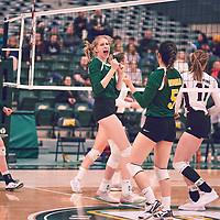 3rd year middle blocker, Emma Matheson (2) of the Regina Cougars during the Women's Volleyball home game on Sat Jan 26 at Centre for Kinesiology, Health & Sport. Credit: Arthur Ward/Arthur Images