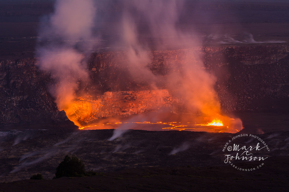 Volcanic eruption in Halemaumau Crater, Kilauea Volcano, Hawaii Volcanoes National Park, Big Island, Hawaii