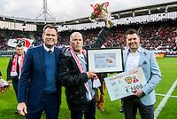 ALKMAAR - 16-04-2016, AZ - PEC Zwolle, AFAS Stadion, 5-1, vrijwilliger van het jaar