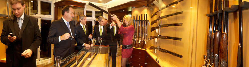 Stuart Rose and Celia Walden. Charles Finch and Dr. Franco Beretta host launch of Beretta stor at 36 St. James St. London. 10  January 2006. ONE TIME USE ONLY - DO NOT ARCHIVE  © Copyright Photograph by Dafydd Jones 66 Stockwell Park Rd. London SW9 0DA Tel 020 7733 0108 www.dafjones.com