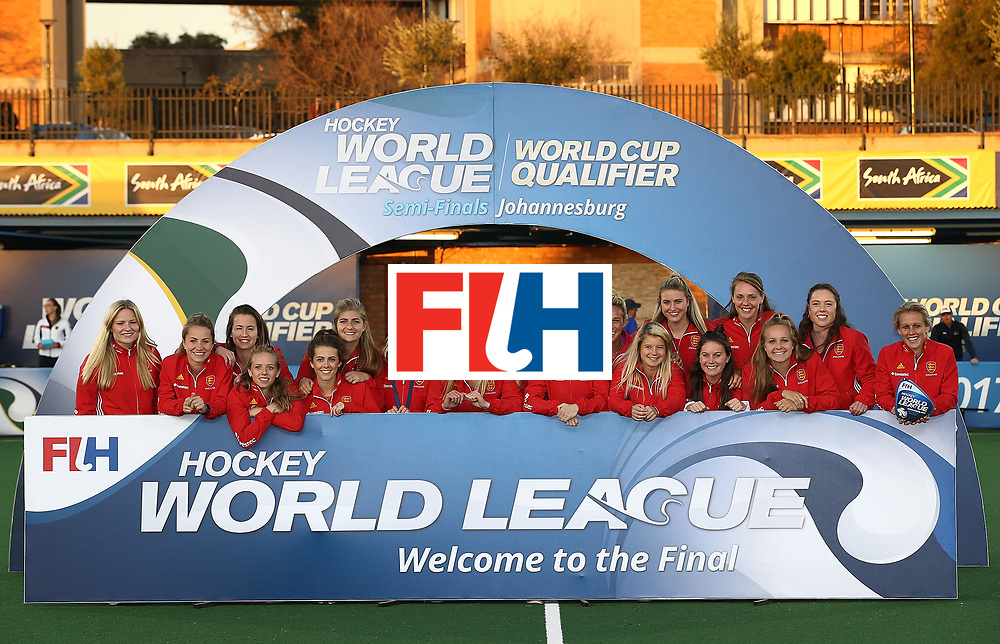 JOHANNESBURG, SOUTH AFRICA - JULY 23:  England players pose after securing 3rd place during day 9 of the FIH Hockey World League Women's Semi Finals at Wits University on July 23, 2017 in Johannesburg, South Africa.  (Photo by Jan Kruger/Getty Images for FIH)