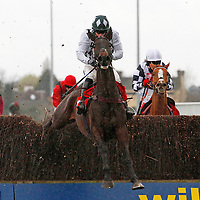 Reach For The Top and Tom O'Brien winning the 4.35 race