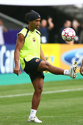 PARIS, FRANCE - TUESDAY, MAY 16th, 2006: FC Barcelona's Ronaldinho performs his tricks during training ahead of the UEFA Champions League Final against Arsenal at the Stade de France. (Pic by David Rawcliffe/Propaganda)