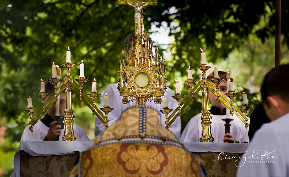 (Photo by Lisa Johnston) Outdoor Benediction and Adoration at the Oratory of Ss. Gregory & Augustine.