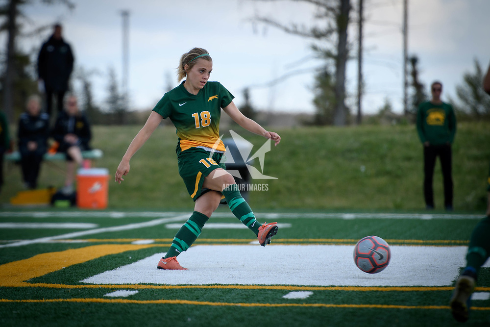 3rd year defender Cassie Longmuir (18) of the Regina Cougars during the Women's Soccer home game on September 17 at U of R Field. Credit: Arthur Ward/Arthur Images