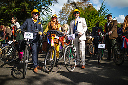 © Licensed to London News Pictures. 04/05/2019. London, UK. People gather at the start of the annual Tweed Run bicycle ride, in which participants cycle around the capital wearing vintage tweed outfits. Photo credit: Rob Pinney/LNP