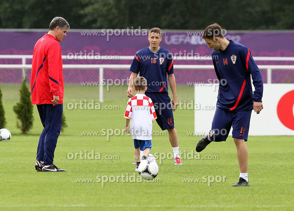 05.06.2012, Sielanka Training Center, Warka, POL, UEFA EURO 2012, Kroatien, Training, im Bild SLAVEN BILIC // during EURO 2012 Trainingssession of Croatian Nationalteam, at the Sielanka Training Center, Warka, Poland on 2012/06/05. EXPA Pictures © 2012, PhotoCredit:EXPA/ Newspix/ Aleksander Majdanski     ATTENTION - for AUT, SLO, CRO, SRB, SUI and SWE only *****