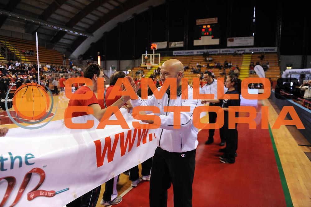 DESCRIZIONE : Perugia Lega A1 Femminile 2010-11 Coppa Italia Finale Famila Schio Liomatic Umbertide<br /> GIOCATORE : Presentazione Squadre Con Special Olympics<br /> SQUADRA : Famila Schio Liomatic Umbertide<br /> EVENTO : Campionato Lega A1 Femminile 2010-2011 <br /> GARA : Famila Schio Liomatic Umbertide<br /> DATA : 13/03/2011 <br /> CATEGORIA : <br /> SPORT : Pallacanestro <br /> AUTORE : Agenzia Ciamillo-Castoria/M.Marchi<br /> Galleria : Lega Basket Femminile 2010-2011 <br /> Fotonotizia : Perugia Lega A1 Femminile 2010-11 Coppa Italia Finale Famila Schio Liomatic Umbertide<br /> Predefinita :