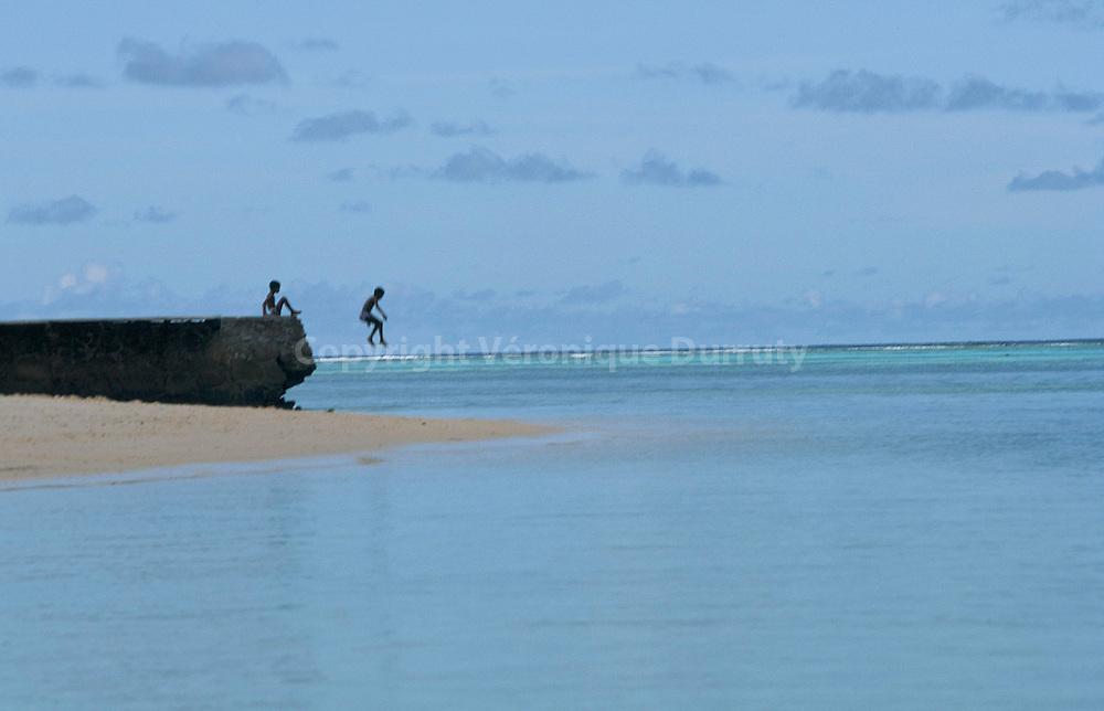 Juming in the sea