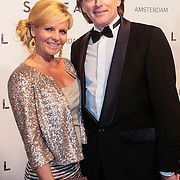 NLD/Amsterdam/20121028 - Inloop premiere nieuwe James Bond film Skyfall , Erik de Zwart en partner Marika