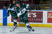 KELOWNA, CANADA - SEPTEMBER 29: Ian Walker #4 of the Everett Silvertips warms up with the puck against the Kelowna Rockets on September 29, 2017 at Prospera Place in Kelowna, British Columbia, Canada.  (Photo by Marissa Baecker/Shoot the Breeze)  *** Local Caption ***