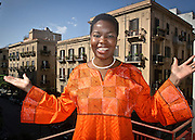 Isoke Aikpitanyi, la donna nigeriana che sfuggita all'oppressione della tratta di esseri umani, dedica la sua vita alla lotta al fenomeno.<br /> Isoke Aikpitanyi, a woman from Nigeria, victim of human beings  trafficking, she managed to escape and now she is a symbol of the fight against
