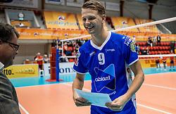02-10-2016 NED: Supercup Abiant Lycurgus - Coniche Topvolleybal Zwolle, Doetinchem<br /> Lycurgus wint de Supercup door Zwolle met 3-0 te verslaan / Stijn van Schie #9 of Lycurgus MVP