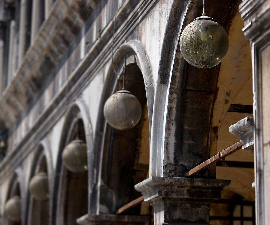 Italy - Venezia - Procuratie Vecchie lamps