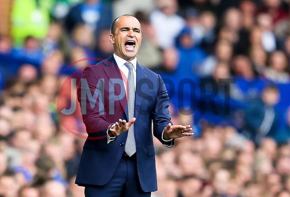 Everton Manager, Roberto Martinez   - Mandatory byline: Matt McNulty/JMP - 07966386802 - 12/09/2015 - FOOTBALL - Goodison Park -Everton,England - Everton v Chelsea - Barclays Premier League