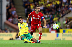 Gary O'Neil of Bristol City tackles Josh Murphy of Norwich City - Mandatory by-line: Robbie Stephenson/JMP - 16/08/2016 - FOOTBALL - Carrow Road - Norwich, England - Norwich City v Bristol City - Sky Bet Championship