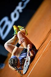 22.04.2016, Porsche Arena, Stuttgart, GER, WTA Tour, Porsche Tennis Grand Prix Stuttgart, Viertelfinale, im Bild Laura Siegemund (GER) // Laura Siegemund of Germany during quarterfinals of Porsche Tennis Grand Prix of the WTA Tour at the Porsche Arena in Stuttgart, Germany on 2016/04/22. EXPA Pictures © 2016, PhotoCredit: EXPA/ Eibner-Pressefoto/ Weber<br /> <br /> *****ATTENTION - OUT of GER*****