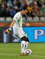 Football - soccer: FIFA World Cup South Africa 2010, Italy (ITA) - Paraguay (PRY), IL PORTIERE DELL' ITALIA GIANLUIGI BUFFON AL RINVIO DI PIEDE