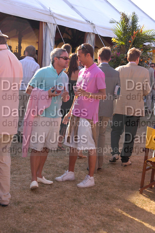 Dan Macmillan and Nellie Hooper Veuve Clicquot Gold Cup Final at Cowdray Park. Midhurst. 17 July 2005. ONE TIME USE ONLY - DO NOT ARCHIVE  © Copyright Photograph by Dafydd Jones 66 Stockwell Park Rd. London SW9 0DA Tel 020 7733 0108 www.dafjones.com