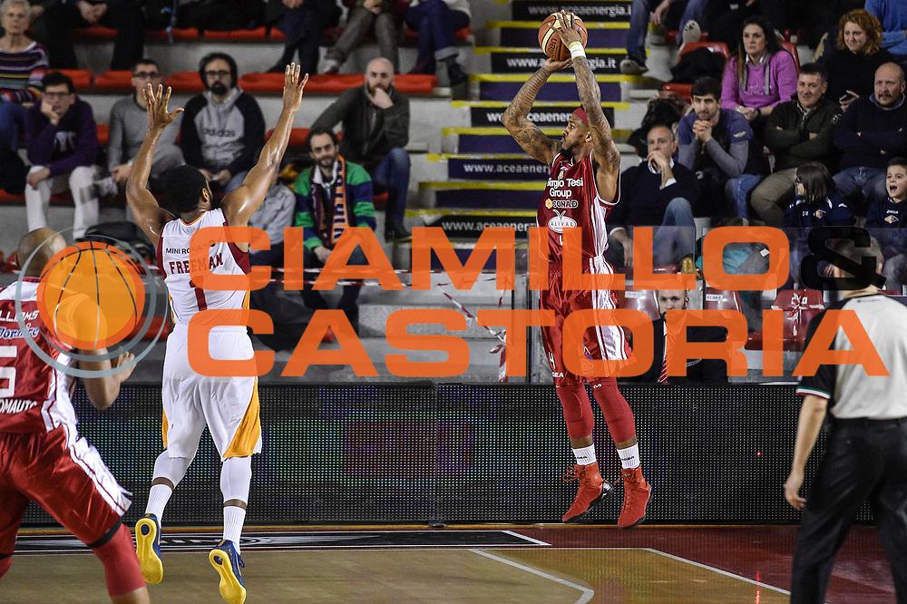 DESCRIZIONE : Campionato 2014/15 Virtus Acea Roma - Giorgio Tesi Group Pistoia<br /> GIOCATORE : Gilbert Brown<br /> CATEGORIA : Tiro Tre Punti Three Points Controcampo<br /> SQUADRA : Giorgio Tesi Group Pistoia<br /> EVENTO : LegaBasket Serie A Beko 2014/2015<br /> GARA : Dinamo Banco di Sardegna Sassari - Giorgio Tesi Group Pistoia<br /> DATA : 22/03/2015<br /> SPORT : Pallacanestro <br /> AUTORE : Agenzia Ciamillo-Castoria/GiulioCiamillo<br /> Predefinita :
