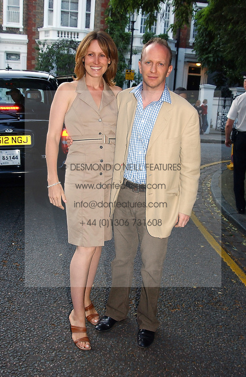 SIMON & SANTA SEBAG-MONTEFIORE she is the sister of Tara Palmer-Tomkinson at Sir David & Lady Carina Frost's annual summer party held in Carlyle Square, London on 6th July 2004.
