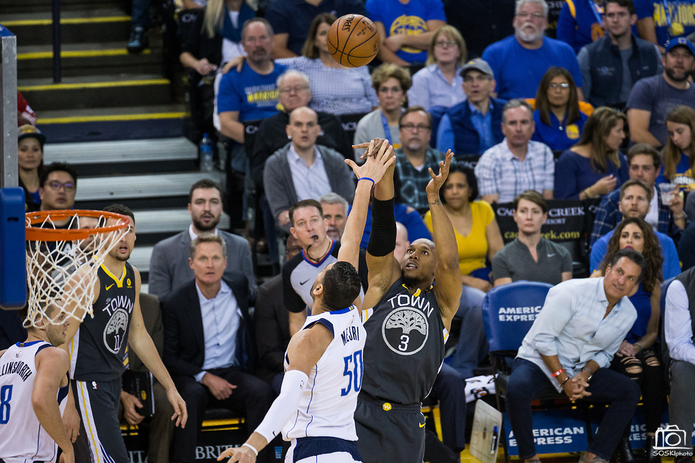 Golden State Warriors forward David West (3) shoots a jump shot against the Dallas Mavericks at Oracle Arena in Oakland, California, on February 8, 2018. (Stan Olszewski/Special to S.F. Examiner)