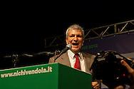 Roma, 11 Ottobre  2012.Campagna per le primarie Oppure Vendola.. Nichi Vendola al Pantheon