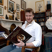 Douglas Hunter at home in Glasgow. <br /> 21/01/09<br /> <br /> Photograph by Ian Rutherford/TSPL/Writer Pictures<br /> <br /> <br /> WORLD RIGHTS