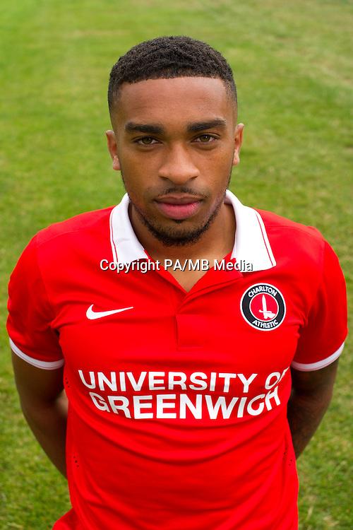 Tareiq Holmes-Dennis, Charlton Athletic