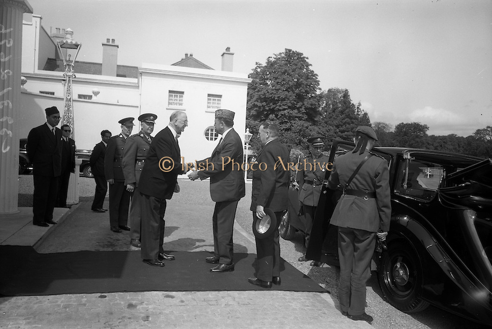 17/7/1964<br /> 7/17/1964<br /> 17 July 1964<br /> <br /> Ayub Khan President of Pakistan being greeted by Irish President Éamon de Valera at Aras an Uachtarain