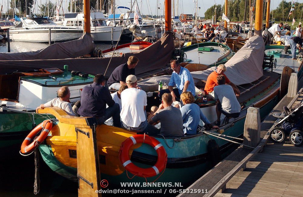 Skutjesilen 2003, boten in de haven